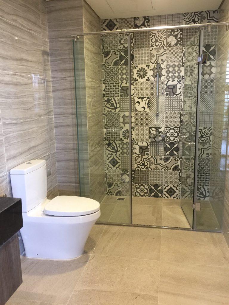 Phòng vệ sinh full thiết bị cao cấp
