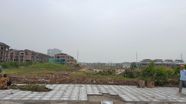 tasco-xuan-phuong-via-he-cong-vien-trung-tam